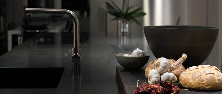 2017-acanthus-granite-kitchen-top